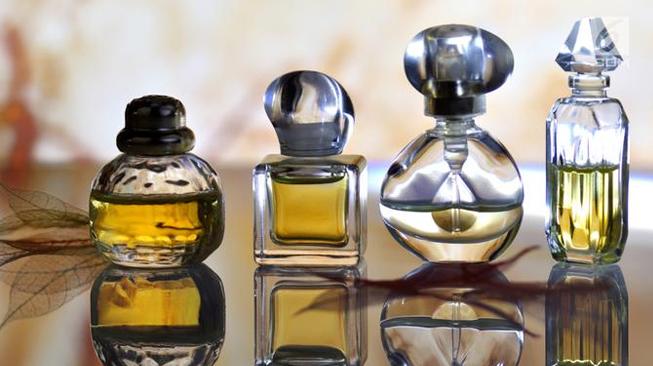 Jangan Memakai Parfum atau Cologne yang Berat